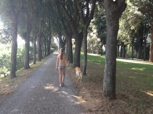walking to pool w/ Frida
